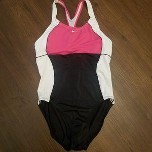 Nike NWOT Women's Color Block One-Piece Swimsuit